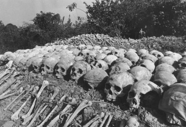 khmer-rouge-skulls